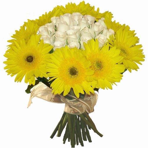 Букет жёлтых хризантем, заказ коляски из цветов