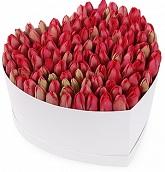 заказ цветов в шляпных коробках москва